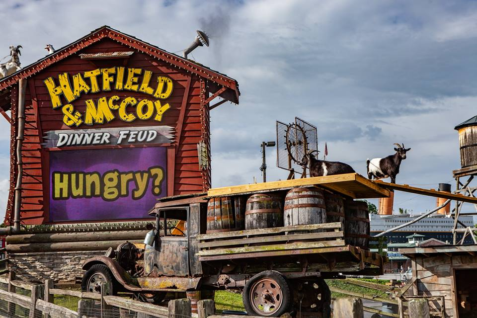 Hatfield & McCoy Dinner Feud, music theaters in Pigeon Forge, Pigeon Forge area information, Pigeon Forge attractions, Pigeon Forge attractions on the parkway, Pigeon Forge blog, Smoky Mountain theaters