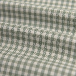 Yarn dyed green and white gingham 100% cotton fabric -mjsz.MGG