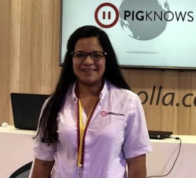 Alejandra Ramírez - Client Service - PigKnows - Swine Production Software