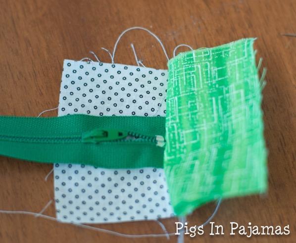 Green ditty bag zipper 11039035224 o