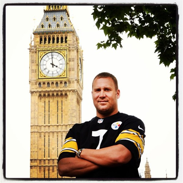 Look, kids...Big Ben. With Big Ben.  (Photo: CBS Sports)