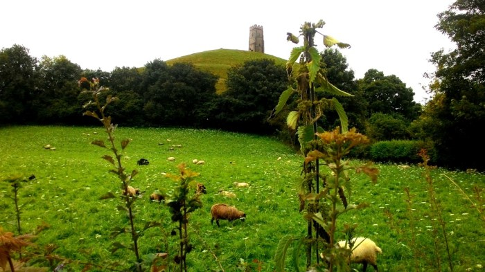 Glastonburská věž na kopci