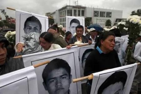 Resultado de imagen para Padres de Ayotzinapa