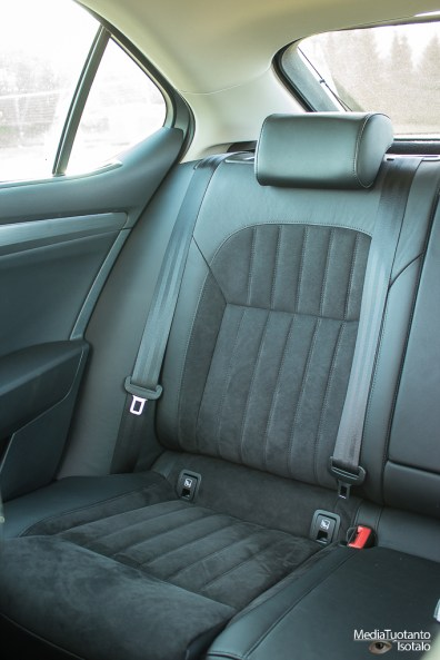 Skoda Superb rear seat