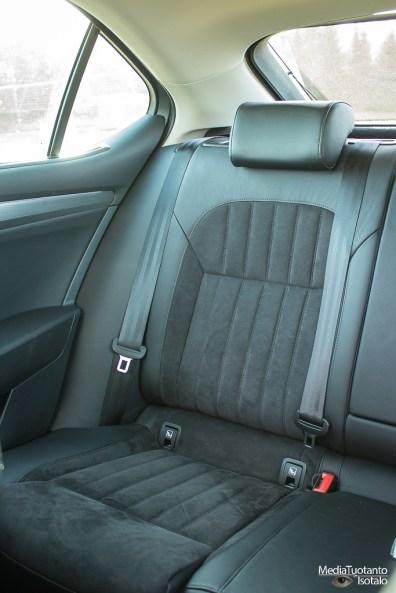 Skoda Superb rear seat