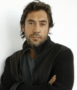 スペインの演技派俳優のハビエル・バルデムがこっちを見ている画像