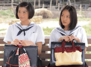 佐久間由衣と有村架純が朝ドラ「ひよっこ」に出演している画像