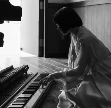 平井真美子の画像や森山直太朗と共演動画を調査!馴れ初めや経歴は?あの有名曲も作曲してた?