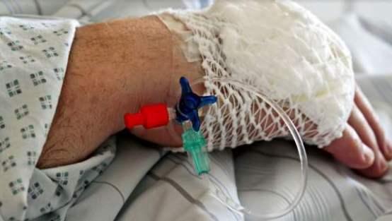 Pielęgniarz podawał pacjentom złe dawki leków
