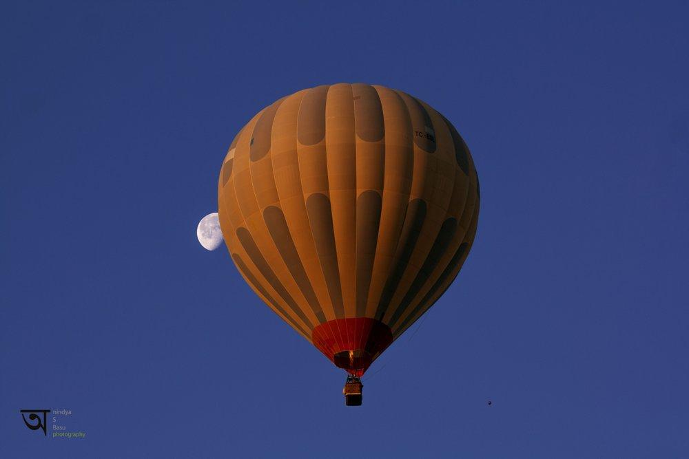 Hot air balloon ride in Cappadocia 2