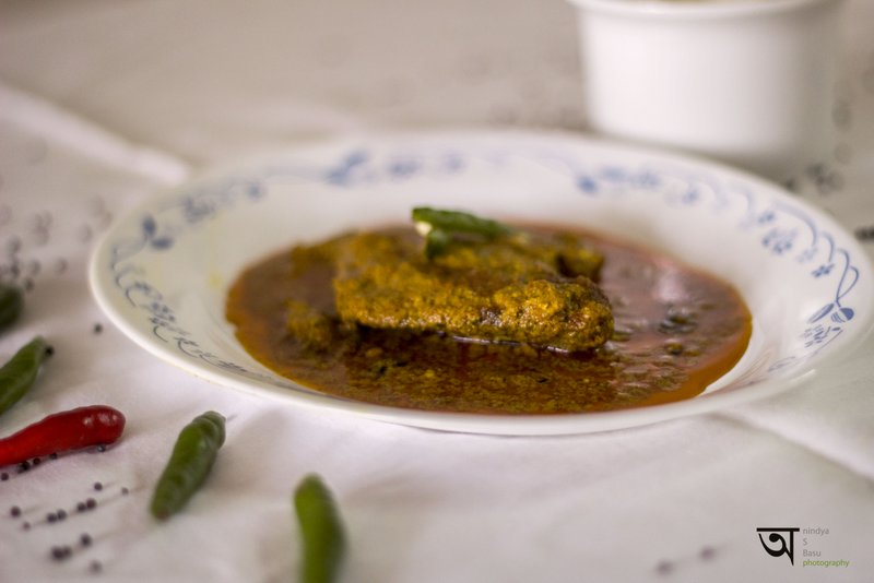Hot and spicy Pomphret fish curry 2
