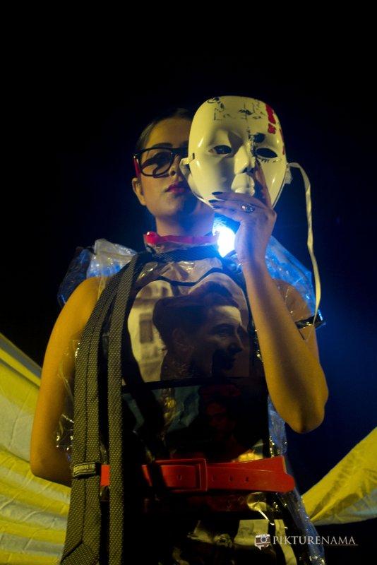 Ishita removes her mask halfwaythrough as a part of Fine Art photography workshop kolkata by Agnimirh Basu