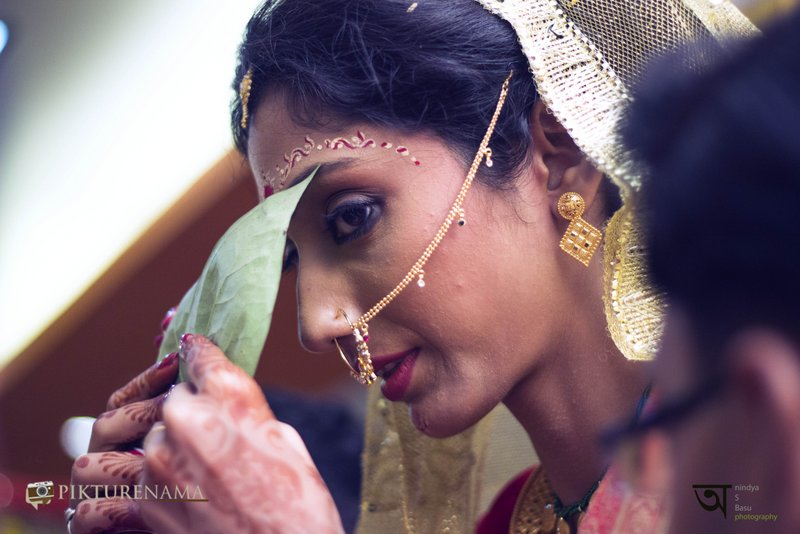 Kolkata wedding photography moments before the look