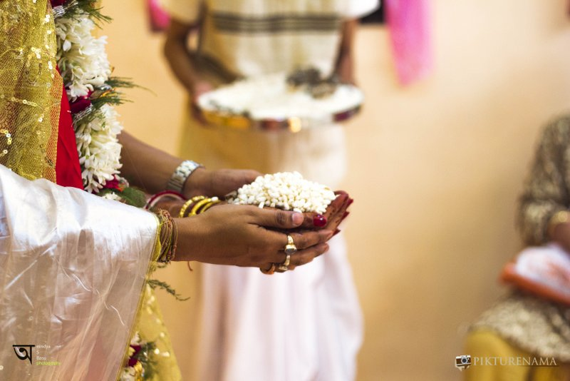 Kolkata wedding photography while the ceremony is on