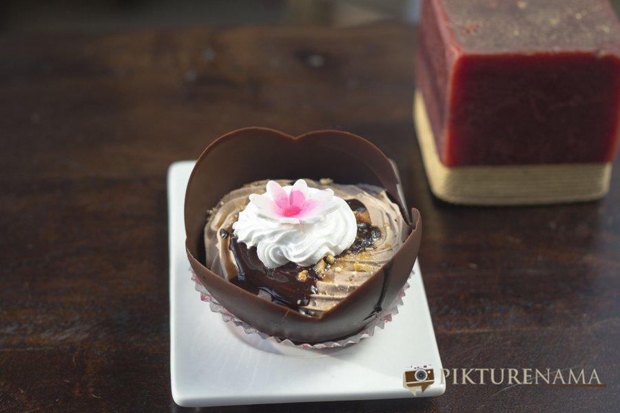 Choco tulip at Creme caramel Kolkata reviewed by pikturenama
