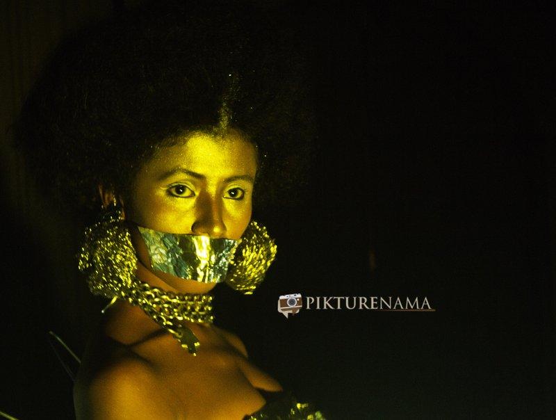 Pikturenama in Fine Art Photography workshop in Kolkata model satarupa has her leaps sealed