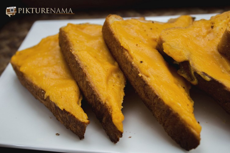 Capsicum butter cheese toast 4