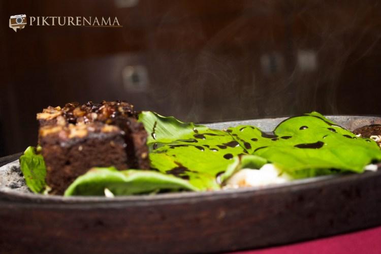 Sizzling Brownie in Mexo Italiana food by Casa Kitchen