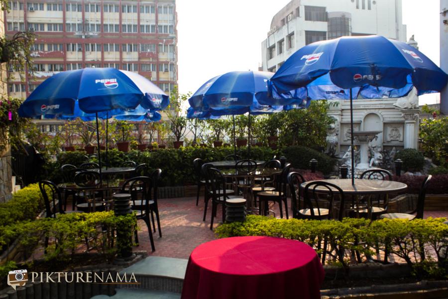 Abcos Food Plaza Kolkata sitting arrangement