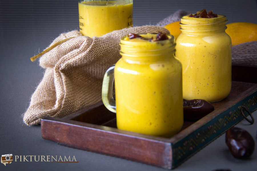 Date and Mango Smoothie. Aam Khejur Ghol
