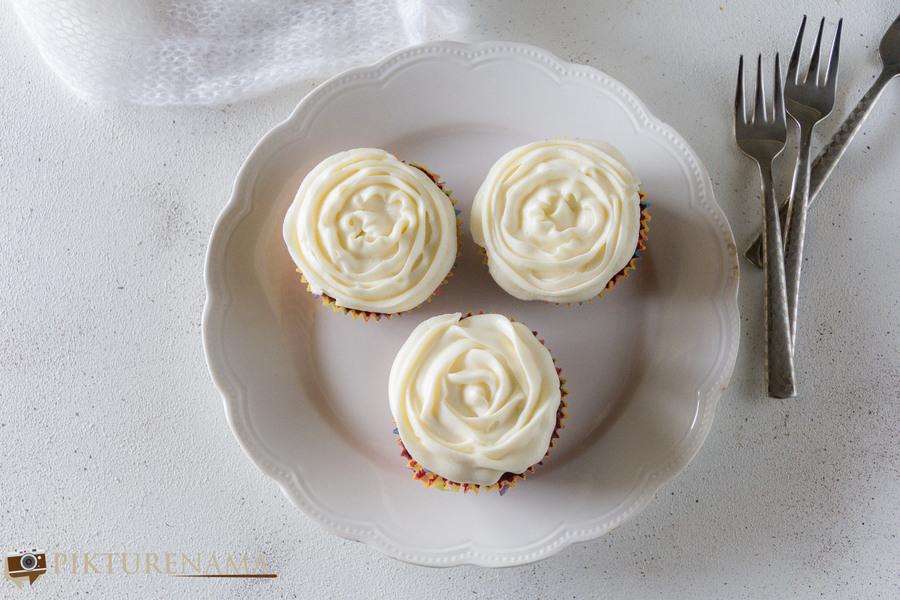 Red Velvet Cupcakes - 7