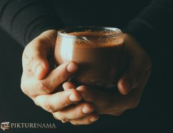 How to make Nutella Hot Chocolate hands