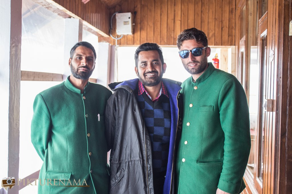 Nedous Hotel Gulmarg Kashmir 130 year old waiting staff