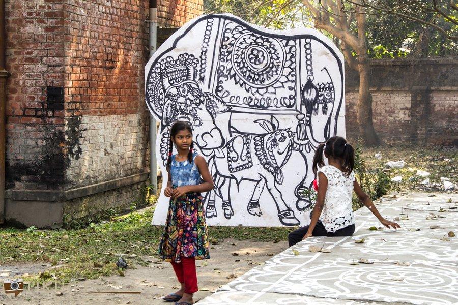The Kolkata festival cowshed