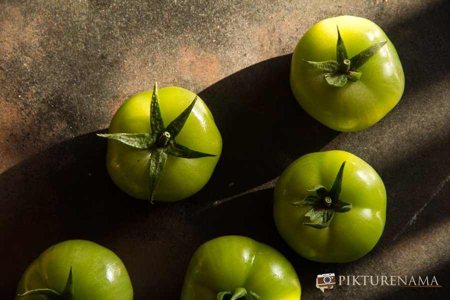 Kancha tomato diye musurir dal raw produce 2