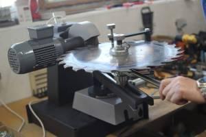 Станок для заточки дисковых пил АЗС 700