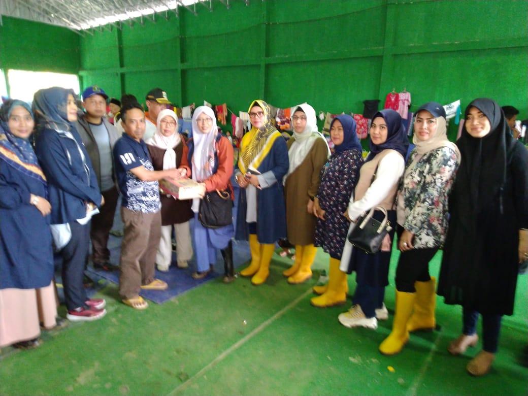 Istri Ketua Dewan dan Rombongan Salurkan Bantuan ke Korban Bencana Lebak
