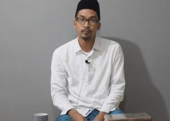 Azky Akhyari.