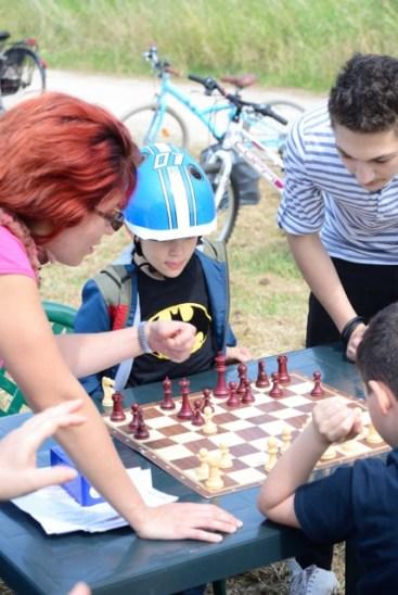 Nel parco si gioca anche a scacchi