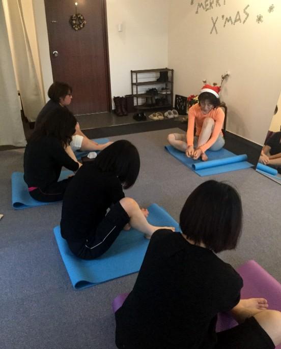 xmas event lesson lympa massage photo クリスマスイベント プチレッスン体験 リンパマッサージ 写真