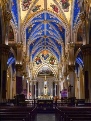 Basilica sanctuary (Photo courtesy University of Notre Dame)
