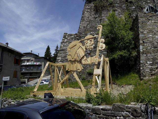 Pilgrim artwork in Berceto
