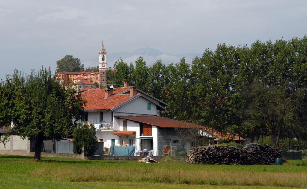 Azeglio town