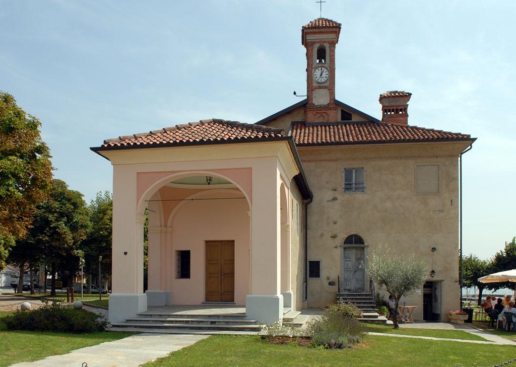 Church by Lago Viverone
