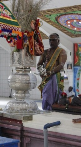 Irandaam Thiruvilaa (Iravu) - Mahotsavam 2014 (13)