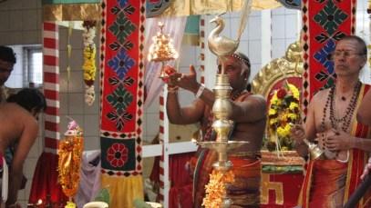 Moontraam Thiruvilaa (Iravu) - Mahotsavam 2014 (40)