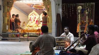 Moontraam Thiruvilaa (Iravu) - Mahotsavam 2014 (7)