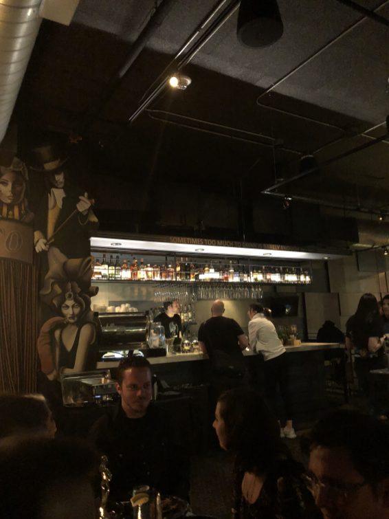 Le bar dans lequel nous avons passé la soirée.