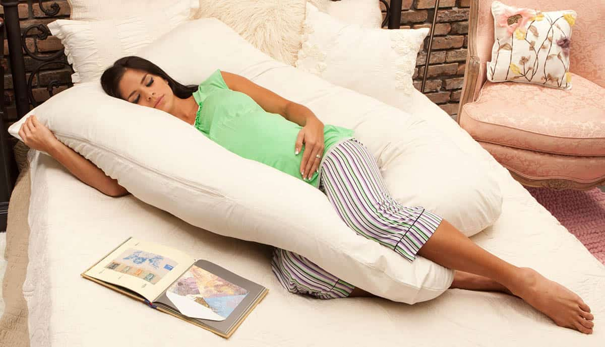 how to sleep with a body pillow to make