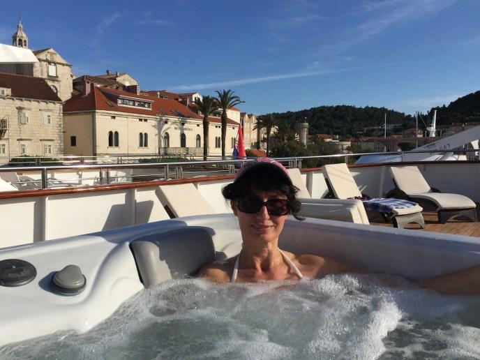 Hot tub on Kraljica Jelena