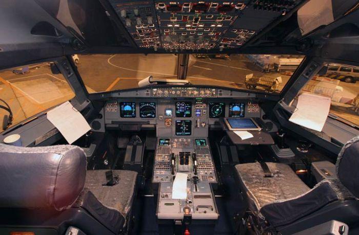 Кабина пилота А320