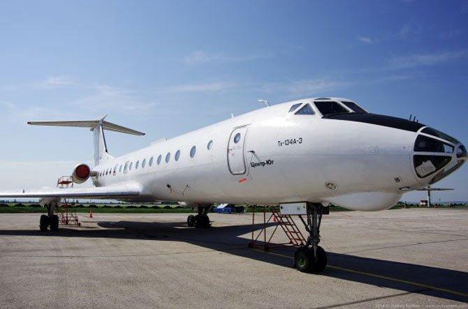 Пассажирский самолет Ту-134