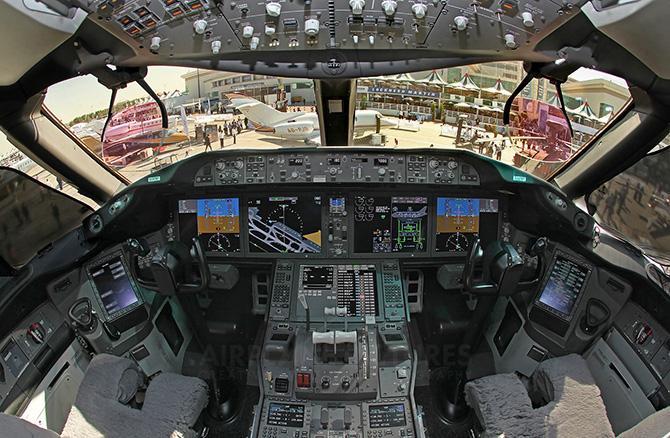 Боинг 787 (Dreamliner) кабина пилота