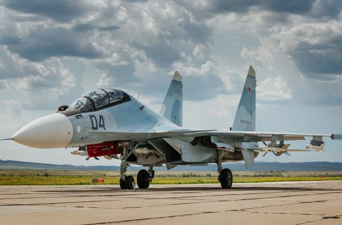 Истребитель Су-30