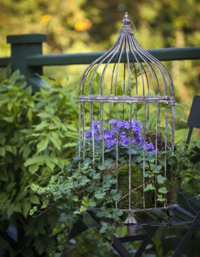 Balcony garden {PilotingPaperAirplanes.com}