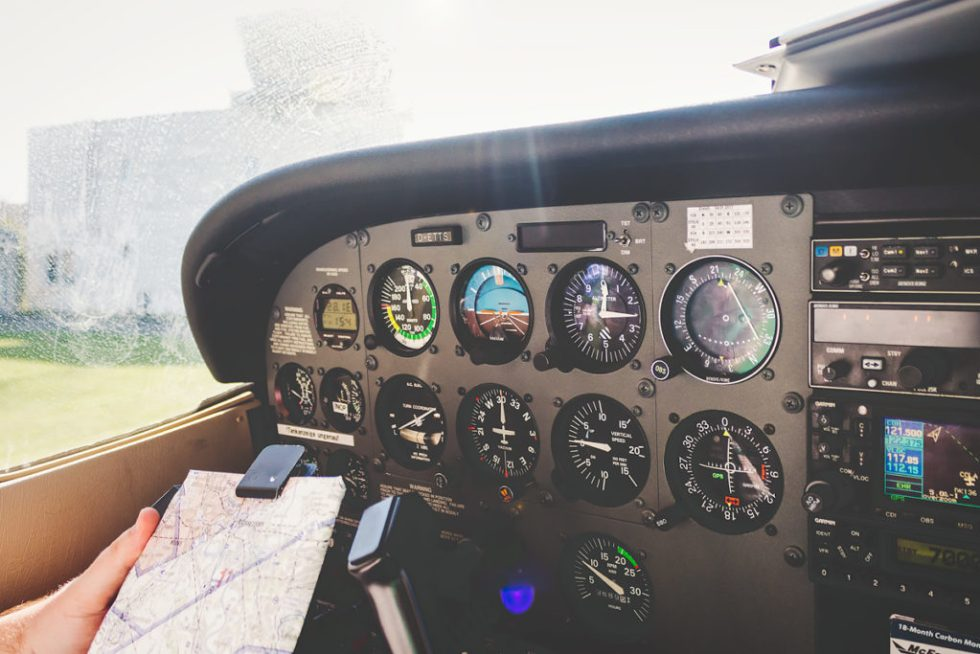 Cessna 172 flight deck